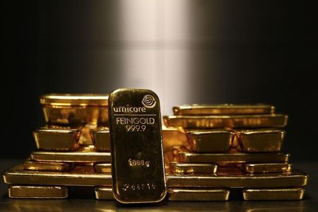 Gold Back in $1,400 Zone as it Becomes Band-Aid for Wall Street's Wounds