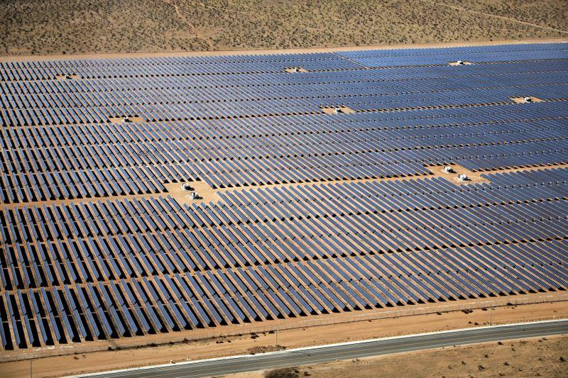 Despite pandemic, new U.S. solar capacity will grow 33% in 2020